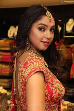 Model Angana Roy High Resolution Photos - Image 6