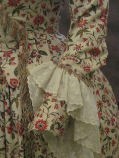 strange engageant placement Musee de la Toile de Jouy_jouy en Josas    IMG_5287.JPG by Heileen, via Flickr