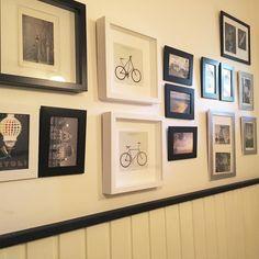 Tuunattu! Vessan taulut koostuvat matkoilta kerätyistä postikorteista. Kortit osa 1. #tuunaus #vessaselfie #matkamuisto #koti #futuremarja #sisustus Koti, Gallery Wall, Frame, Instagram Posts, Home Decor, Picture Frame, Decoration Home, Room Decor, Frames
