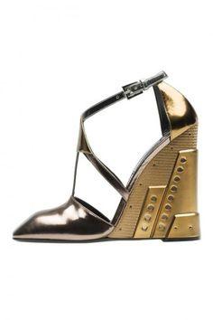 Prada Scarpe sandali argento e oro autunno inverno 2014 2015 Scarpe Col  Tacco 142ff8173bd