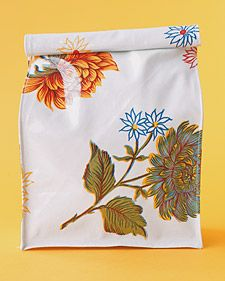 oilcloth lunch bag  http://www.marthastewart.com/271881/oilcloth-crafts-lunch-bags?backto=true&backtourl=/photogallery/sewing-projects
