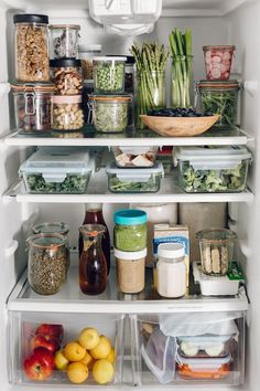 boite rangement ikea comment organiser sa cuisine et le refrigerateur Master Bathroom Layout, Holiday Makeup Looks, Pantry Organization, Kitchen Hacks, Jessie, Fresh, Spring, Yum Yum, Ranger