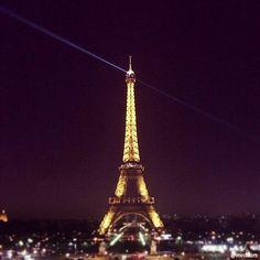 Memories are made of this! #Paris #EiffelTower #cityoflights
