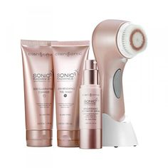 Clarisonic Sonic Radiance™ Brightening Solution Kit - a two-step, morning and evening regimen to gently and effectively treat and control dark spots and uneven skintone for a more radiant and youthful-looking complexion. Beauty Care, Beauty Makeup, Beauty Hacks, Beauty Tips, Beauty Secrets, Wash Your Face, Face And Body, Facial Cleansing Brush, Cleansing Brushes