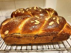 Negresa glazurata cu ciocolata (brownies)   Cum Gatesc Brownies, Bread, Food, Cake Brownies, Brot, Essen, Baking, Meals, Breads