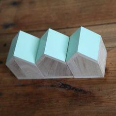 Petite maison déco en bois vert menthe