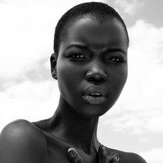Beautiful Black Models - Let's Take A Look At Six - Best Beauty Variety Dark Beauty, Black Girls Rock, Black Girl Magic, Poses, Fotografie Portraits, Ebony Girls, Sexy Ebony, My Black Is Beautiful, Simply Beautiful