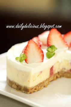 dailydelicious: Strawberry cheesecake: My cake is sweet and so are you ^^