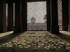 nickyskye meanderings: Pietra Dura, parchin kari, jali and the Taj Mahal Lattice Screen, Metal Screen, Islamic Architecture, Art And Architecture, Islamic Art Pattern, Window Grill, World Environment Day, Perforated Metal, Lattice Design