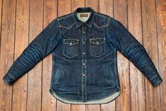 Denim isn& just for jeans, or jackets: don& forget the denim shirt! You& remember why after seeing Today& Fade of the Day, a faded Iron Heart Jaket Jeans, Nudie Jeans, Denim Jeans, Camisa Vintage, Vintage Denim, Denim Shirt Men, Denim Jacket Men, Workwear Fashion, Denim Fashion
