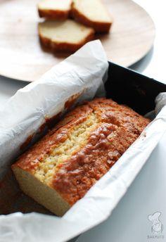 Basisrecept voor cake en cupcakes. Als je eenmaal weet hoe het moet, is het zo makkelijk! Lees het recept via de bron.