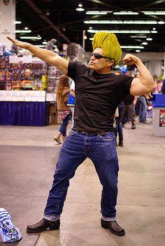 Johny Bravo cosplay.