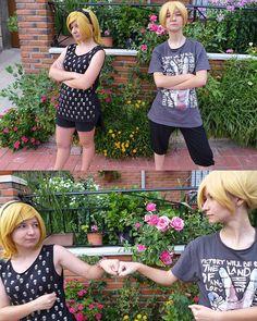 Cosas de Familia ✊✊  Rin ⏩ Kyari  Len ⏩ Tryska  #Vocaloid #rin #len #kagamine #cosplay #cosplaygirls #cosplayers #sisters #twins #banana #Orange #wig #blonde #lansdcape #nature #naturaleza #badasscosplay #badasscosplaygirl #cosplayrama #rinkagamine #lenkagamine #kagaminetwins #Vocaloidcosplay #rinandlen #anime #manga #kawaii #otaku #Valkyrie_Sisters