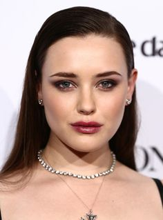 Katherine Langford Berry Lipstick - Katherine Langford teamed her smoky eye with a berry lip.