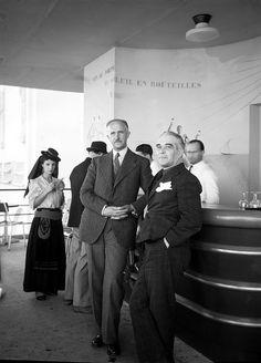 Exposição Internacional de Paris, 1937 Pavilhão de Portugal. Bar.