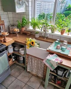 Elegant Bohemian Kitchen Decor Designs: Finding best and perfect renovation kitchen idea is much an intricate task for some of the people. Cuisines Diy, Creation Deco, Cute Kitchen, Dream Apartment, Interior Decorating, Apartments Decorating, Decorating Bedrooms, Bedroom Decor, Decorating Ideas