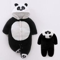 and baby korean Victory! Check out my new Newborn and Baby Lovely Panda Hooded Footie Jumpsuit , snagged at a crazy discounted price with the PatPat app. Baby Boy, Baby Girl Romper, Baby Rompers, Mom Baby, Disney Baby Clothes, Cool Baby Clothes, Diy Baby Headbands, Baby Bracelet, Cute Little Baby