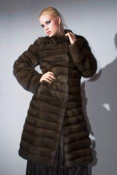 Γουνες Otcelot Χειροποιητα γουναρικα κατασκευασμενα στη Καστορια.Στη πολη που αξιοποιει χωρις διακοπη μεχρι σημερα εμπειρια αιωνων με ριζες στο Βυζαντιο Sable Fur Coat, Fur Fashion, Jackets, Beauty, Dressing Up, Down Jackets, Beauty Illustration, Jacket