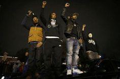 Gunshots echo as violence returns to Ferguson, protests across U.S. - Yahoo