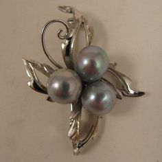1940s-50s Japanese Sterling Silver Gray Cultured Pearl Brooch