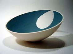 o conter sem poder conter- Gallery: Contemporary Sculptures for Sale Slab Pottery, Pottery Bowls, Ceramic Pottery, Pottery Art, Ceramic Light, Ceramic Bowls, Ceramic Art, Pottery Handbuilding, Keramik Vase