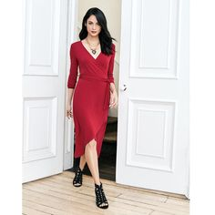Little Red Dress. Va-va-va voom! All eyes will be on you with this fabulous red dress inspired by our enticing new fragrance. This red-hot number is guaranteed to get you noticed.