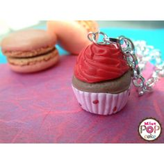 Collier cupcake rose fait main par Miss Popcake 5€