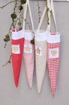 IB Laursen - Spitztüten mit Holzknopf - zum Hängen - Advent-Weihnachten - SHABBY-Nostalgie