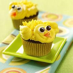 Chirpy Chick Cupcakes recipe from Taste of Home, + more > http://www.tasteofhome.com/Recipes/Holiday---Celebration-Recipes/Easter-Recipes/Easter-Cupcakes?keycode=ZFB0313HUB