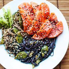 """Black & white soba with smoked salmon sashimi, cucumber, snow peas, black & white sesame seeds and tahine/miso/mirin/soy sauce/ginger dressing!…"""
