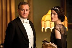 Downton dollars turning Mary into a money genius! Love how inheriting portion of estate is making her savvier than her dad #DowntonAbbey