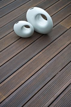 """Fused Bamboo® Decking is natural, durable and nothing less than beautiful. Bamboo materials have a reputation in the wood business as the """"the green solution"""". Mahogany Decking, Bamboo Decking, Sustainable Building Materials, Moso Bamboo, Fast Growing Plants, Hunter Douglas, Deck Railings, Living Styles, Types Of Wood"""