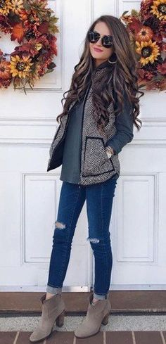 #fall #outfits women's black and gray long-sleeved and black denim fitted jeans