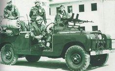 Rhodesian SAS with their Land Rover, featuring twin fixed Bren guns.