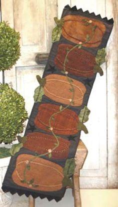 Pumpkin Harvest (H2H) - Wool Applique Table Runner