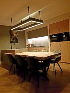 (Mijnmeubel) heeft deze gehele keuken op maat gemaakt. Ook de verlichting is hierbij door ons verzorgd. De bladen zijn opgebouwd uit massief ogend beton. En de fronten en het blad zijn opgebouwd uit rustiek eiken. Benieuwd naar meer van ons maatwerk? Kijk dan snel op onze site! Conference Room, Table, Inspiration, Furniture, Home Decor, Biblical Inspiration, Decoration Home, Room Decor, Tables