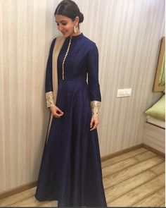 "Anushka Sharma In A Beautifully Embroidered Dress Designed By Manish Malhotra ,She Used In A ""Ae Dil Hai Mushkil"" Movie Promotion.For This Dress Drop A Mail At contact@ladyselection.com"