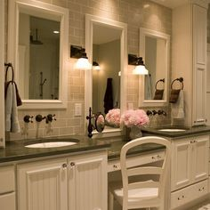 love the make-up areaTraditional Design, Pictures, Remodel, Decor and Ideas - page 2