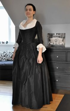 Round gown-mourning, late 18th century, black. Perfectly Fitted!!