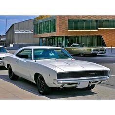 Dodge Charger- my dream car, but must be black. Mopar, Muscle Cars Vintage, Vintage Cars, Dodge Trucks, American Muscle Cars, Dodge Challenger, My Dream Car, Dream Cars, Dodge Super Bee