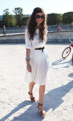 Natalia: Fashion Editor Harper's Bazaar Russia - Photo cred: The i on Fashion #streetstyle #white #fashion