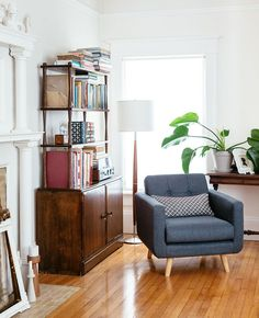 Midcentury living room styling