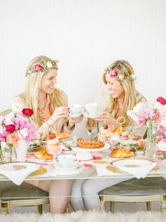 What happens when the queen of flower crowns invite you over for tea? An explosion of stunning flowers, decadent desserts, and hand-made flowers crowns of course! Seriously though, how incredible is this table and can I have tea here everyday?!... READ MORE