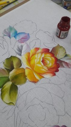 Rosas Grandes Tole Painting, Fabric Painting, Painting & Drawing, Watercolor Paintings, Fabric Paint Designs, Acrylic Painting Techniques, Painted Clothes, Arte Floral, Floral Illustrations