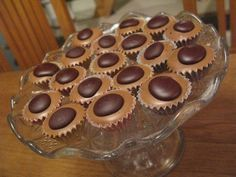 Home Toffifee / Culinary Universe Candy Recipes, Sweet Recipes, Dessert Recipes, Christmas Sweets, Christmas Baking, Vanilla Fudge, How To Roast Hazelnuts, Czech Recipes, Candied Nuts