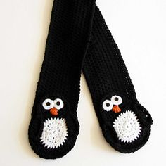 This pattern features a cute penguin pocket! The scarf has instructions on how to adapt it to a custom size.