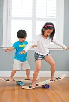 DIY - how to make a skate balance board for kids. Балансировочная доска для детей из старого скейта - руководство как сделать самому. Занимательная детская тренировка и физкультура в домашних условиях.