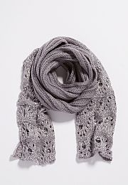 thick knit scarf wit