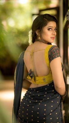 Indian Actress Hot Pics, South Indian Actress, Beautiful Indian Actress, Beautiful Actresses, Indian Actresses, Beautiful Girl In India, Gorgeous Women, Amala Paul Hot, Saree Backless
