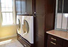 Truberry Custom Homes BIA home laundry room